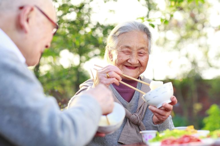 Healthy eating for the elderly - food